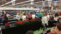 Kroger making of ky derby rose garland_1462839432917