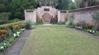 pinewood-estates-outdoor-fountain-florida-bok